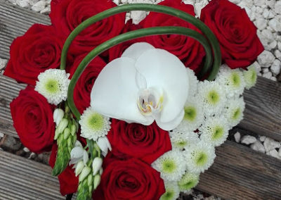 creation-florale-deuil-coeur-roses-orchidee-le-mans-sarthe
